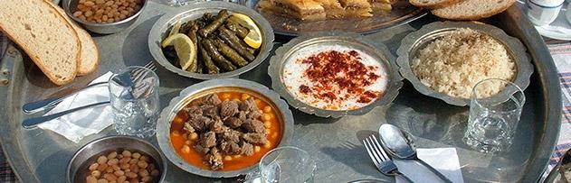 Genellikle yemek dualarında ifade edilen Halil İbrahim sofrası / bereketi ne demektir? Halil İbrahim kimdir?