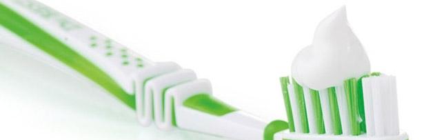 Diş macunu ile dişleri fırçalamak orucu bozar mı?