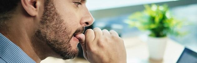 Dudak derisi veya tırnak yutmak orucu bozar mı?
