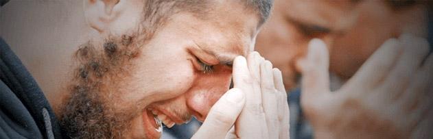 Göz yaşı abdesti bozar mı? Ağlamak ya da gözden herhangi bir sebepten yaş (uykusuzluktan, esnemekten) gelmesi durumunda abdest bozulur mu?