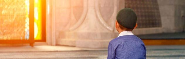 Namaz kılmak için camide oturmak ibadet midir?