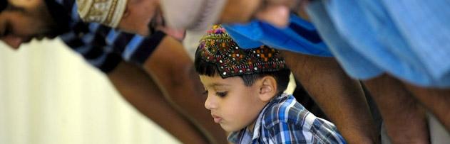 Oğlum ibadetlerinde çok gevşek, ne yapayım?