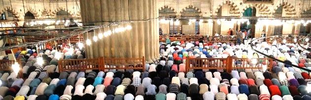 Ramazan ayının son cuması kılınan dört rekat namaz, 400 senelik kaza namazına denk midir?